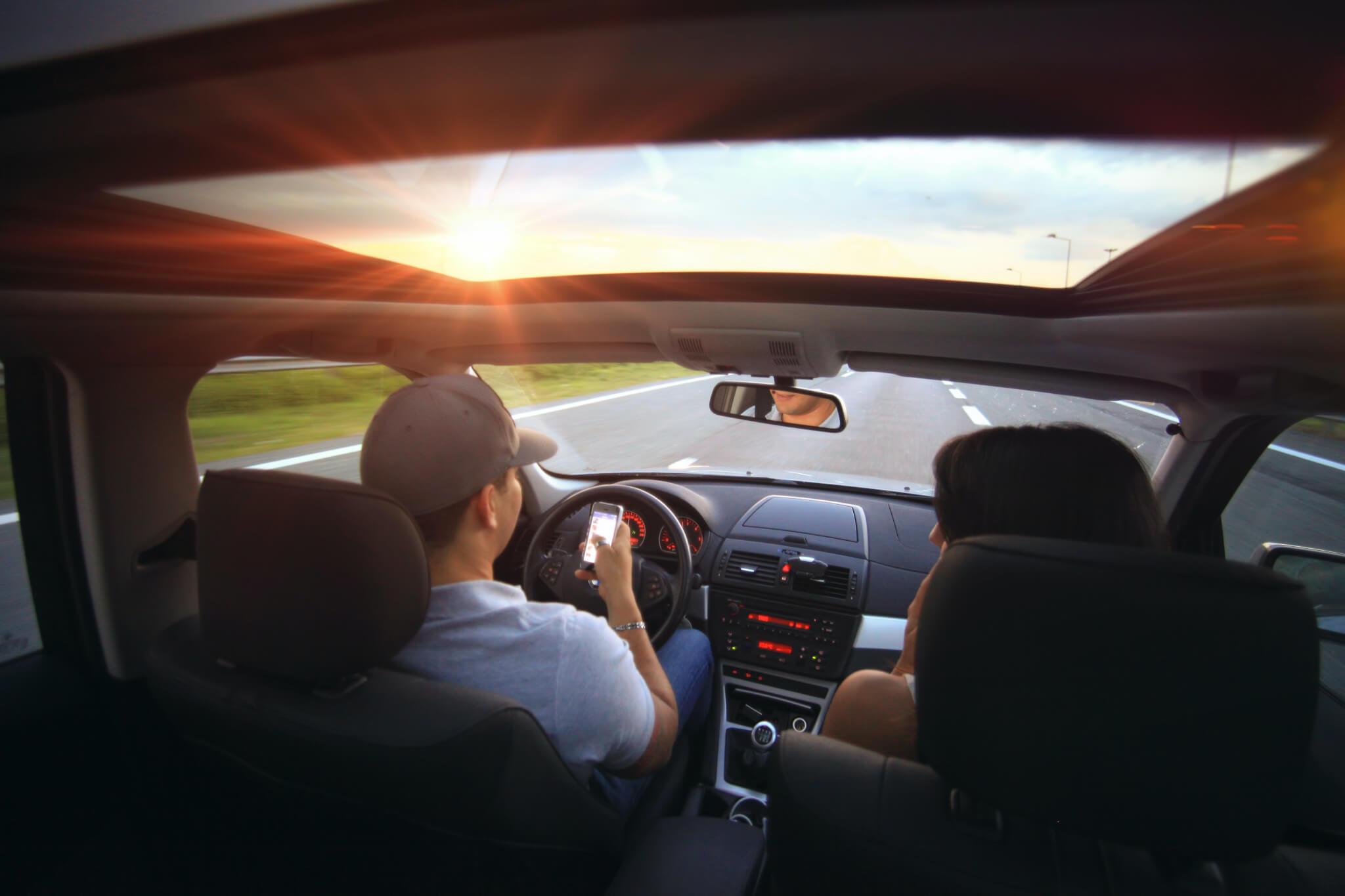 Accesorios imprescindibles para llevar en el coche